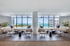 Sam Robin Design Blends Beachy Cool With Low-Key Luxe in a Penthouse on Fisher Island, Florida Miami Beach, Palazzo, Florida Design, Colourful Living Room, Suites, Mid Century Design, Decoration, Home Decor Inspiration, Living Spaces