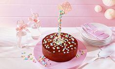 Kleine Torte mit Sternregen Rezept: Kleiner Kuchen mit Aprikosenkonfitüre und Canache - Eins von 7.000 leckeren, gelingsicheren Rezepten von Dr. Oetker!