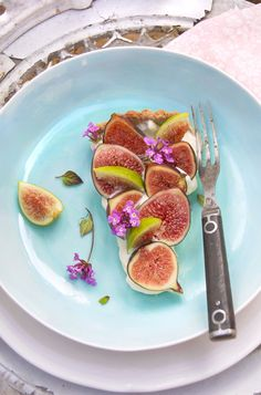 ♥ zabaglione tart with fresh figs. lemonfirebrigade.com