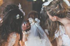 Editorial Casamento por Elas. Fotos por Duo Borgatto Boutique Fotográfica, Wedding Dresses e head pieces Atelier Carla Gaspar.