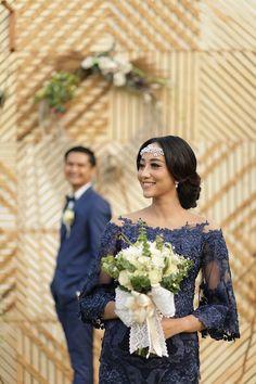 Simple Rustic Wedding a la Gusti and Ryan di Lembang Bandung Dress Brokat Modern, Kebaya Modern Dress, Kebaya Dress, Kebaya Brokat, Trendy Dresses, Nice Dresses, Fashion Dresses, Kebaya Wedding, Indonesian Wedding