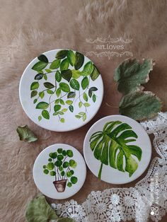 Pottery Painting Designs, Pottery Art, Circle Painting, Plate Wall Decor, Pretty Mugs, Arabesque Pattern, Cute Paintings, Minimalist Wallpaper, Hand Painted Plates