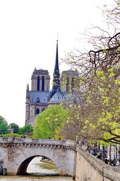 Paris, Quai de Béthune et cathédrale Notre-Dame de Paris 1 | Flickr