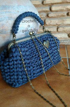 Crochet o ganchillo: BOLSO DE TRAPILLO LIGERO EN GRIS PERLADO CON BOQUILLA VINTAGE