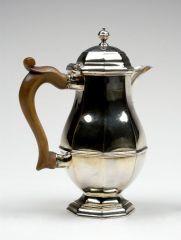 Lidded milk jug UNKNOWN ENGLISH (ENGLISH) 1720