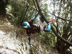There are days where the sun is just so cruel.  - @mrhunter18817. #cosplay #cosplayer #cosplayers #cosplayersunite #cosplayersofinstagram #cosplayersofig #cosplaying #marvelcomic #marvelcosplay #marvellegends #mcu #marvelsuperhero #marvels #spiderman #spidermancosplay #webhead #wallcrawler #venom #venomcosplay #venomsuit #spidey #spidy #famous #famouslastwords #trees #nature #upsidedown #upsidedownkiss