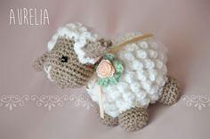 Sheep Pattern and Video Tutorial (Free): http://www.tejiendoperu.com/amigurumi/oveja/