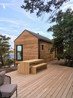 Find more info at the site click the link for more alternatives local sauna Chalet Design, House Design, Style At Home, Modern Saunas, Urban Living, Sauna House, Modern Log Cabins, Country Modern Home, Outdoor Sauna