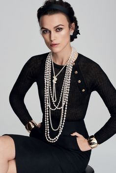 """dailyactress: """"Keira Knightley - Mario Testino Portrait 2016 for Chanel's Coco Crush """" Paris Chic, Keira Knightley Chanel, Keira Christina Knightley, Keira Knightley Style, Moda Fashion, Fashion Week, Fashion Outfits, Womens Fashion, Sexy Outfits"""