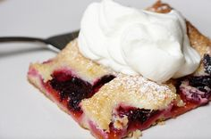 Tastes like butter cake with plums! Plum Recipes, Gourmet Recipes, Baking Recipes, Cake Recipes, Dessert Recipes, German Plum Cake, German Desserts, German Recipes, Ukrainian Recipes