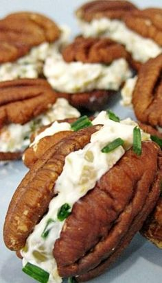 Healthy Snacks Cream Cheese and Olive Pecan Bites Recipe ~ Your guests will love the salty flavor of the olives, the creamy texture of the cream cheese and the crunch of the pecans. - Cream Cheese and Olive Pecan Bites Finger Food Appetizers, Finger Foods, Appetizer Recipes, Mini Appetizers, Wedding Appetizers, Snack Recipes, Pecan Recipes, Low Carb Recipes, Cooking Recipes