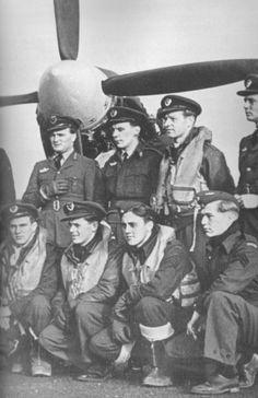 Top:Rolf Arne Berg, Leif Lundsten, Kristian Nyerrød, Rolf Engelsen (?) Bottom: Martin Gran, Tarald Weisteen, Einar Sem-Olsen, Reidar Haave-Olsen