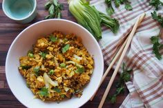 Kari smažená rýže s hráškem Fried Rice, Tofu, Fries, Pizza, Vegan, Ethnic Recipes, Vegans, Nasi Goreng, Stir Fry Rice