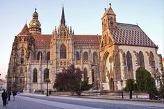 Kosice is the popular tourist city in Slovakia. Slovakia tourism offer beautiful architecture like cathedral, old markets and much more in tour of Kosice. Beautiful Architecture, Beautiful Landscapes, Top Place, Place Of Worship, Bratislava, Wonderful Places, Travel Bugs, Hungary, Barcelona Cathedral