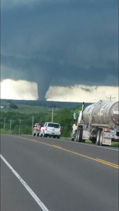 View of tornado from a highway Tornado Pictures, Storm Pictures, Cool Pictures, Tornados, Thunderstorms, Severe Weather, Extreme Weather, Natural Phenomena, Natural Disasters