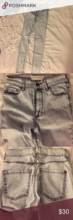 Bullhead Acid Wash Jeans Super high rise skinniest acid wash jeans . Super Comfy and in very good condition. PacSun Jeans Skinny