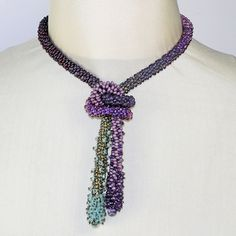 Textured Beaded Braids Join this Master Class with Adrienne Gaskell, June 4 - 7. - Wish I had the skills and money to take this class!