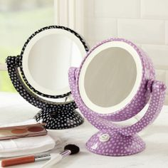 Mini Dot Light-Up Mirror for your teen