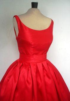 Un vestido rojo precioso Shantung 50s hecho por por elegance50s