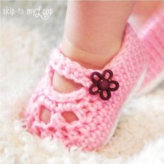 Free simple crochet mary jane booties | Crochet: Mary Jane Shoes - Crochet Pattern - Baby Booties - Slippers ...