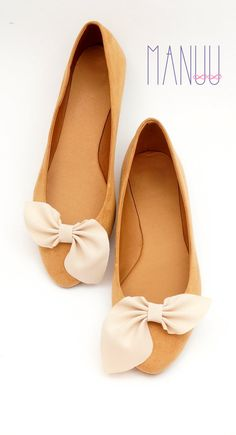 Beige bows shoe clips Manuu Wedding accessory by ManuuDesigns
