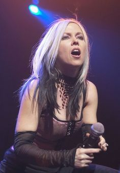 Terri Nunn from the music group Berlin is even more gorgeous in her Berlin Band, Punk Rock Girls, Reverse Ombre, Roll Hairstyle, Rocker Chick, Women In Music, The New Wave, Fade To Black, Hair Coloring