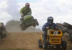 now that's crazy racing - Lawn mower racing -This sport is not trivial - there are regional and national associations all over America and others around the world that hold regular race meetings using the ride on mower are the vehicle Types Of Lawn, Lawn Mower Repair, Diy Go Kart, Tractor Mower, Riding Mower, Car Engine, Outdoor Power Equipment, Competition, Monster Trucks