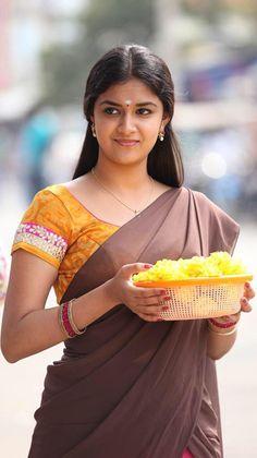 Rajini Murugan heroine Keerthi Suresh homely look stills