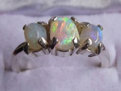 This is a BEAUTY!!!   Absolutely Gorgeous Fiery Crystal Opal Ring from Lightning Ridge. US$399.00