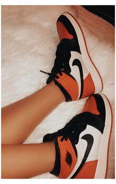 Jordan Shoes Girls, Girls Shoes, Sneakers For Girls, Nike Jordan Shoes, Jordan Outfits, Cute Sneakers, Shoes Sneakers, Adidas Shoes, Jordan Sneakers