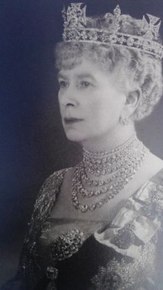 Queen Mary in the Golconda diamonds, love the egg sized diamonds, she meant business! beautiful pic~