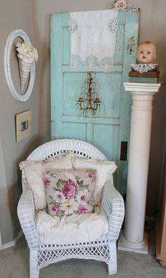 Corner of my living room. I love my aqua door! Shabby Chic Mode, Estilo Shabby Chic, Shabby Chic Cottage, Shabby Chic Style, Shabby Chic Decor, Cottage Style, Farm Cottage, Aqua Door, Romantic Cottage