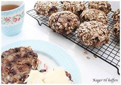 Rugbrødsboller med tørrede Frugt, Nødder & Chokolade