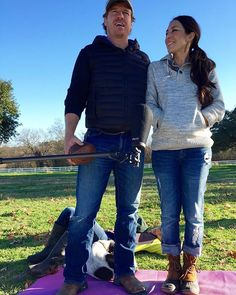 Fixer Upper's Chipper Gaines rings in 2016 with touching tribute to wife Joanna Chip Und Joanna Gaines, Joanna Gaines Style, Chip Gaines, Fixer Upper Tv Show, Fixer Upper Joanna, Joanne Gaines, Chip And Jo, Tribute, Duck Boots