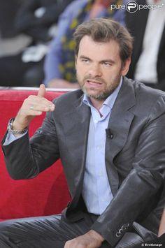 Clovis Cornillac, né le 16 août 1967 à Lyon (Rhône) est un acteur de cinéma, de télévision et de théâtre français. Il est le fils des comédiens Myriam Boyer et Roger Cornillac. Il est le demi-frère d'Arny Berry, comédien, metteur en scène et auteur de théâtre.