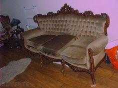 Very Old American Carved Suit of Furniture 3 Seater & 2 Single Seats Dated around to Selling Furniture, Find Furniture, Antiques For Sale, Suit, Couch, American, Home Decor, Outfit, Settee