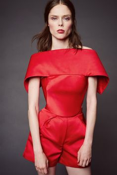 http://www.style.com/slideshows/fashion-shows/resort-2016/zac-posen/collection/13