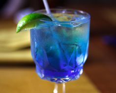 Mr. Right Cocktail 1 ounce blue curacao liqueur 1 ounce gin ½ ounce tequila ½ ounce vodka ½ ounce triple sec ½ ounce rum 1 ounce sweet and sour mix 4 ounces lemon-lime soda 1 cup ice cubes, plus more for serving