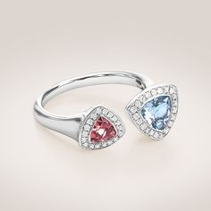 Discover sophisticated watches and exquisite jewellery by the Swiss jeweller and watch manufacturer Bucherer. Spring Trends, Luxury Watches, Jewelry Trends, Class Ring, Heart Ring, Diamonds, Bling, Charmed, Colorful