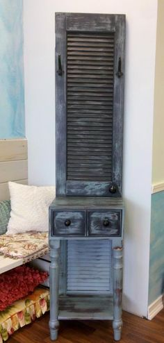 louver door upcycle diy | ... of wood, an old louver door and a wicked cool painting technique