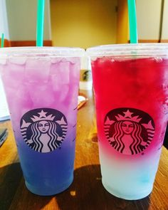 This secret Starbucks drink is basically the unicorn frappuccino # . - This Starbucks secret drink is basically the unicorn frappuccino again - Menu Starbucks, Bebidas Do Starbucks, Copo Starbucks, Secret Starbucks Drinks, How To Order Starbucks, Starbucks Secret Menu Drinks, Unicorn Drink Starbucks, Starbucks Unicorn Frappuccino Recipe, Non Coffee Starbucks Drinks