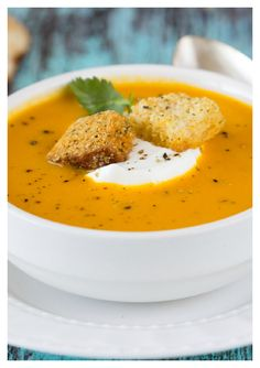 Curried Carrot Coconut Soup - I use it as a curry sauce base. Carrot Coconut Soup, Curried Carrot Soup, Carrot Curry, Coconut Curry, Vegetarian Soup, Vegetarian Recipes, Healthy Recipes, Keto Recipes, Healthy Food