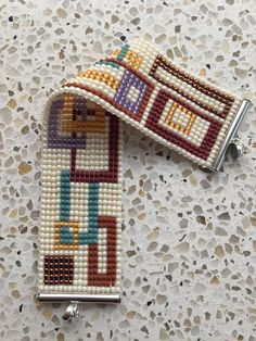 Bead Loom Patterns, Beading Patterns, Tear, Leather Projects, Loom Bracelets, Loom Weaving, Brick Stitch, Jewelry Packaging, Bead Crafts