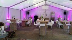 Zo richten wij bijvoorbeeld samen met onze partner Westerhuis een tent in voor jouw tuinfeest! Tent, Conference Room, Catering, Table, Home Decor, Seeds, Store, Decoration Home, Room Decor
