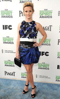 Reese also showed her flower power at the Spirit Awards in a vibrant Giambattista Valli design.