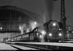 RailPictures.Net Photo: 01 1511 Deutsche Reichsbahn Steam 4-6-2 at Leipzig…