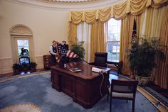 There's A Lot Of Flexibility When It Comes To Decorating The Oval Office