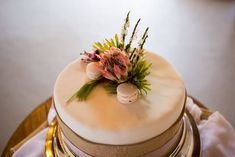 Beautiful cake for a country wedding Country Wedding Inspiration, Beautiful Cakes, Weddingideas, Panna Cotta, Ethnic Recipes, Desserts, Food, Tailgate Desserts, Dulce De Leche