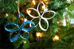 Homemade glitter Christmas ornaments by Blog a la Cart