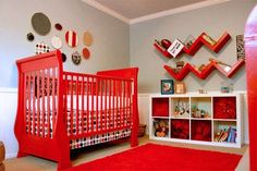 One of the most difficult is the choice of design to use in decorating a nursery for the child. You can be sure to find Nursery Decoration Ideas here. Baby Room Design, Baby Room Decor, Nursery Decor, Nursery Ideas, Nursery Inspiration, Baby Boy Rooms, Baby Boy Nurseries, Baby Boys, Baby Cribs
